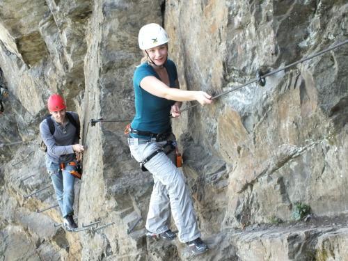 Klettersteig Verdon : Abenteuer klettersteig über den mittelrhein