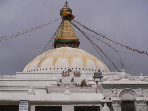 ...oder die größte Stupa der Welt! Ein Superlativ nach dem anderen!