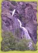 Eine der zahlreichen Wasserfälle