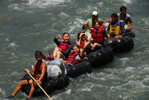Tube-Rafting auf dem Bohorok River