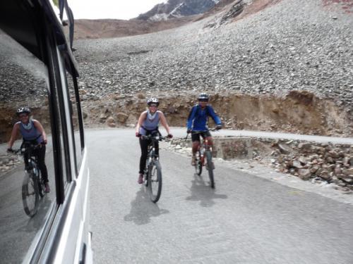 Wir erklimmen den Baralacha Pass (4880 m)